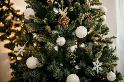 How to Incorporate Key Design Trends Into Your Christmas Decor